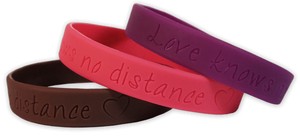 Love knows no distance armband